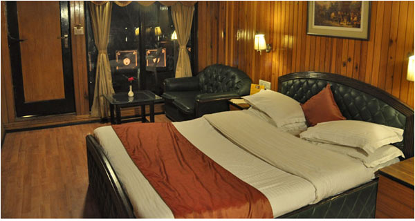 Alka The Lake Side Hotel at Mall Road Nainital Weekend Tour Package