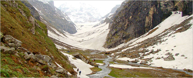Hamta Pass & Chandertaal Lake Trek