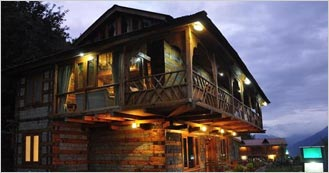 Himalyan Kothi Kais is the 4 Star Hotel in Manali