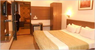 Hotel Crystal Retreat is the 3 Star Luxury hotel in Agra