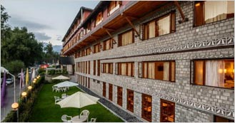 Honeymoon Inn Manali is the 4 Star Hotel in Manali