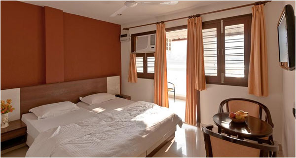 Hotel Pure Inn Rishikesh Weekend Tour Package