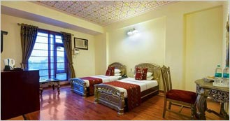 Hotel Siris 18 is the 3 Star Heritage hotel in Agra