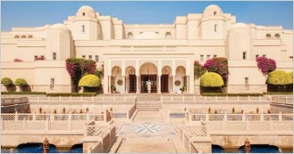 Oberoi Amarvilas 5 Star Heritage hotel in Agra
