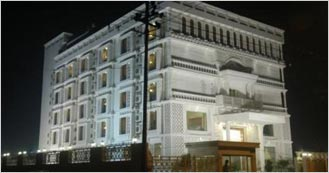Sterling 4 Star Luxury hotel in Agra
