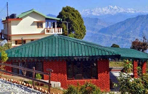 Himalayan eco lodge at Sursingdhar near Tehri Lake